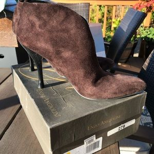 Brand new worn once! Brown Suede booties size 10